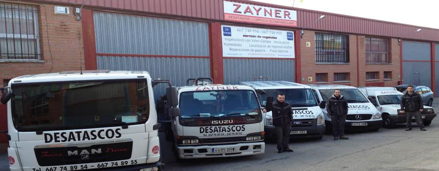 Parte de la flota de vehículos de Zayner